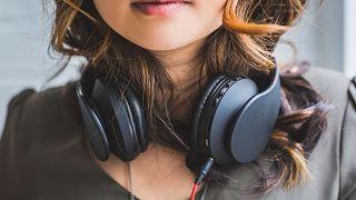 شنیدن موسیقی