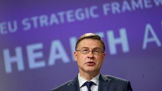 AB Komisyonu Kıdemli Başkan Yardımcısı Valdis Dombrovskis