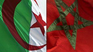 تظهر هذه الصورة المركبة التي تم إنشاؤها في 27 أغسطس 2021 العلم الوطني الجزائري (إلى اليسار) والمغربي (إلى اليمين)
