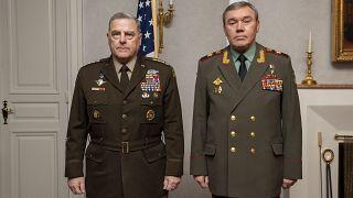 رئيس أركان القوات المشتركة الأمريكية مارك ميلي ورئيس الأركان الروسي فاليري غيراسيموف في هلسنكي. 22/09/2021