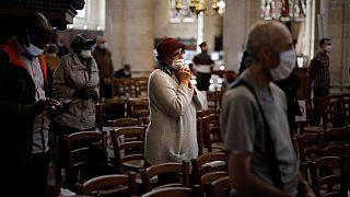 Kilise dua eden Katolikler