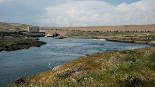 منظر عام لسد الموصل. 2016/04/14
