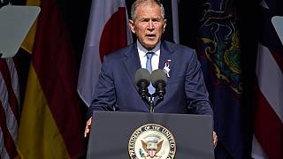 الرئيس السابق جورج دبليو بوش يتحدث في النصب التذكاري الوطني للرحلة رقم 93 في شانكسفيل، بنسلفانيا، السبت 11 سبتمبر 2021، في الذكرى العشرين لهجمات 11 سبتمبر 2001