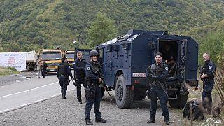 Κοσοβάροι αστυνομικοί στα βόρειο σύνορα του Κοσόβου.