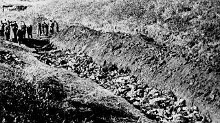 سربازان ارتش سرخ شوروی گور دستهجمعی ۱۴هزار یهودی اوکراین را کشف کردند/۱۹۴۴