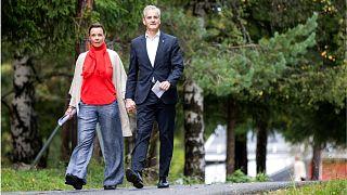 یوناس گاهر اشتوره، رهبر حزب کارگر نروژ(راست) و همسرش