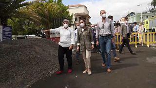 """Re Felipe in visita a La Palma: """"Gli aiuti non mancheranno"""""""
