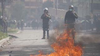 Violentos choques entre policía y cocaleros antigubernamentales en Bolivia
