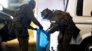 Almanya özel harekat polisinin düzenlediği bir operasyon