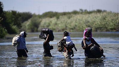 """Les migrants haïtiens face aux déportations """"inhumaines"""" des Etats-Unis"""