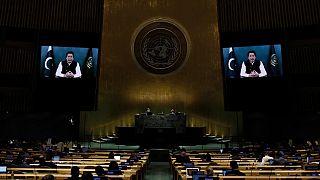 رئيس الوزراء الباكستاني عمران خان يخاطب في رسالة مسجلة، الدورة 76 للجمعية العامة للأمم المتحدة.