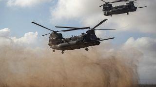 طائرات هليكوبتر تقل قوات أمريكية ومغربية في مناورة تدريبية في قاعدة تافراوت قرب أكادير المغربية.