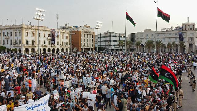 Libye : manifestation de soutien au gouvernement de transition