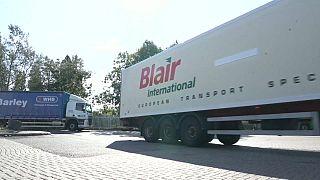 Cientos de británicos se agolpan en las gasolineras antes de que se acabe el combustible