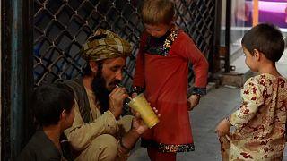 شاهد: المواطنون الأفغان يتعايشون مع الحياة في كابول بعد استيلاء طالبان على السلطة