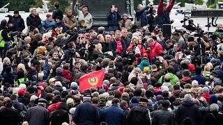 Rusya'da parlamentonun alt kanadı Devlet Duması için yapılan seçimlerin sonucuna karşı çıkan Komünist Parti, gösteri düzenledi