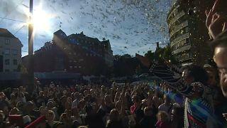 Jubel im Zentrum von Oslo - die Corona-Beschränkungen sind Vergangenheit