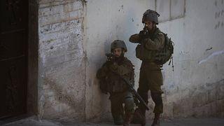 جنود إسرائيليون في في قرية سالم بالضفة الغربية.