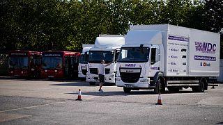 مدرب سياقة للشاحنات في المركز الوطني للقيادة في كرويدون، جنوب لندن.