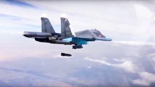 Suriye'de hava saldırısı düzenleyen Rus savaş uçağı (arşiv)