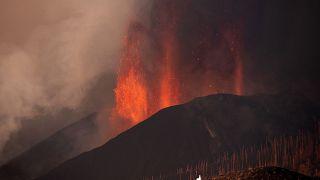 Seit einer Woche spuckt der Vulkan auf La Palma Lava