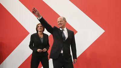 Almanya Federal seçimlerinde Sosyal Demokratlar yarışı önde götürüyor