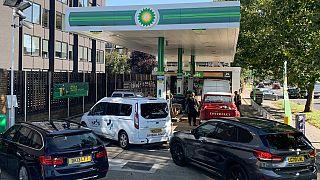 File d'attente dans une station d'essence encore ouverte à Londres, 24 septembre 2021