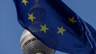 L'UE suit avec attention les négociations en Allemagne
