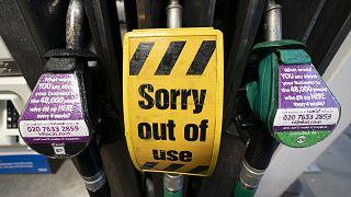 İngiltere'de bazı benzin istasyonları hizmet veremez oldu