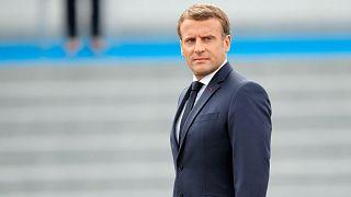 الرئيس الفرنسي إيمانويل ماكرون يراجع القوات قبل الاحتفال العسكري السنوي باليوم الوطني الفرنسيّ في باريس، 14 يوليو 2020