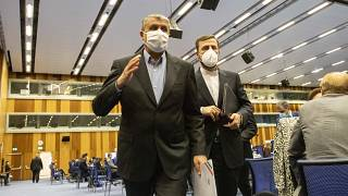 محمد اسماعیلی، رئیس سازمان انرژی اتمی ایران و محمد کاظم غریبآبادی، نماینده ایران در آژانس