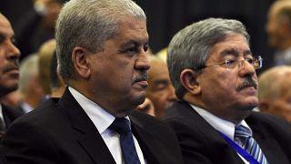 عبد المالك سلال وأحمد أويحيى، يحضران اجتماعا استثنائيا للتجمع الوطني الديمقراطي في العاصمة الجزائر، 5 مايو 2016