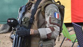 La France n'abandonne pas le Mali mais réorganise Barkhane