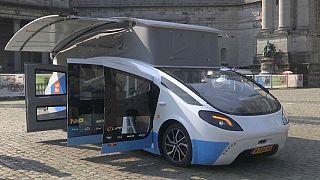 """Le prototype """"Stella Vita"""", lors de son escale à Bruxelles (Belgique) - capture d'écran d'une vidéo AP"""