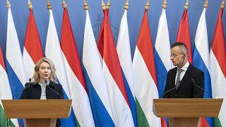 Jelena Viktorovna Burmisztrova, a Gazprom elnökhelyettese és Szijjártó Péter külgazdasági és külügyminiszter