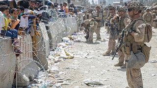 تفنگداران آمریکایی در فرودگاه بینالمللی کابل