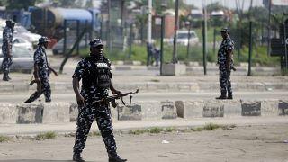 أفراد من الشرطة النيجيرية في مدينة لاوس