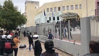 Confrontos entre alunos no norte da Grécia