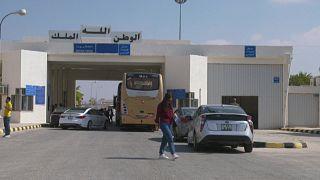 """إعادة فتح معبر """"النصيب"""" بين الأردن وسوريا"""