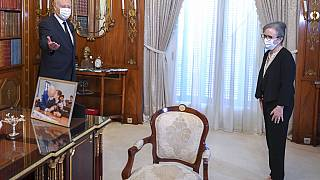 Le président tunisien Kais Saied et sa nouvelle Première ministre, Najla Bouden, à Tunis, le 29 septembre 2021