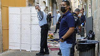 Lieu de l'attaque au couteau présumée et du corps de l'assaillante palestinienne abattue par la police, Jérusalem, 30 septembre 2021