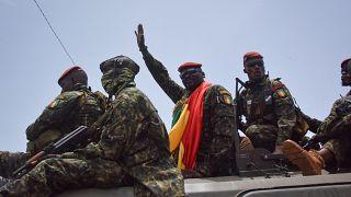 Guinée : le colonel Mamady Doumbouya a prêté serment