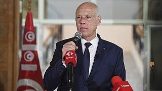 """La Tunisie """"regrette"""" la décision française de réduction des visas"""
