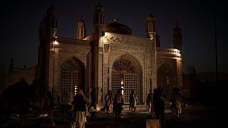 Mesquita de Eidgah após a explosão deste domingo em Cabul