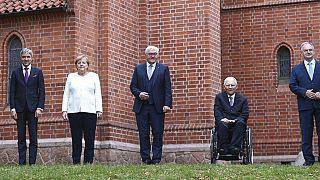 Merkel pide la defensa expresa de la democracia