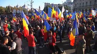 Oltásellenes szélsőjobbosok tüntettek Bukarestben