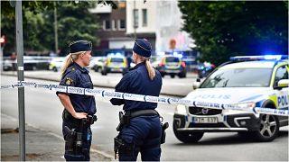 ضابطتان من الشرطة السويدية