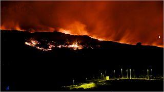 بركان لا بالما يواصل قذف حممه في الجزيرة منذ 19 أيلول/سبتمبر 2021