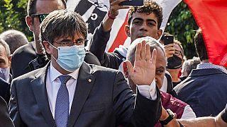 Le leader séparatiste catalan Carles Puigdemont à son arrivée au tribunal de Sassari en Sardaigne (Italie), le 04/10/2021