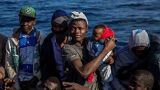 ONGs denunciam detenções arbitrárias em massa de migrantes na Líbia